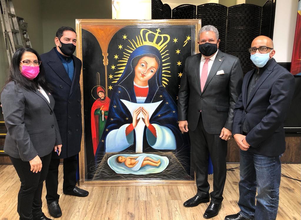 Comisionado Dominicano de Cultura recibe imagen de la Virgen de la Altagracia