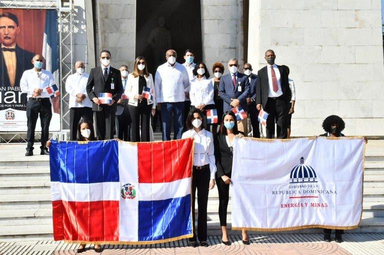 Almonte: Gobierno está listo para firmar Pacto Eléctrico