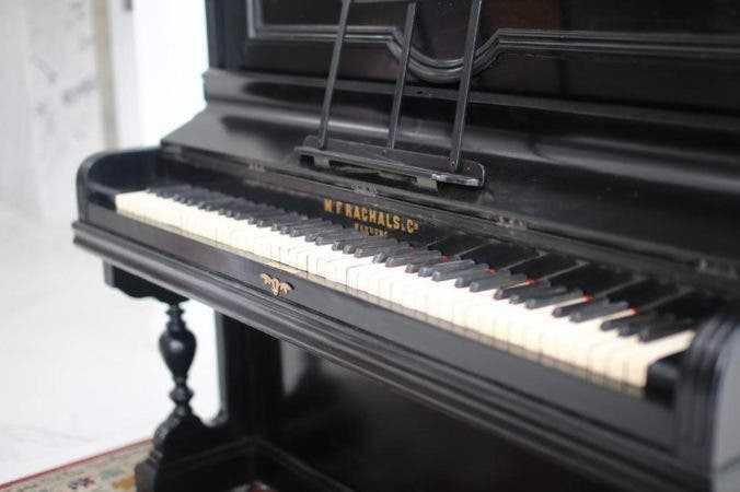 Restauran piano donde se tocó por primera vez el himno nacional