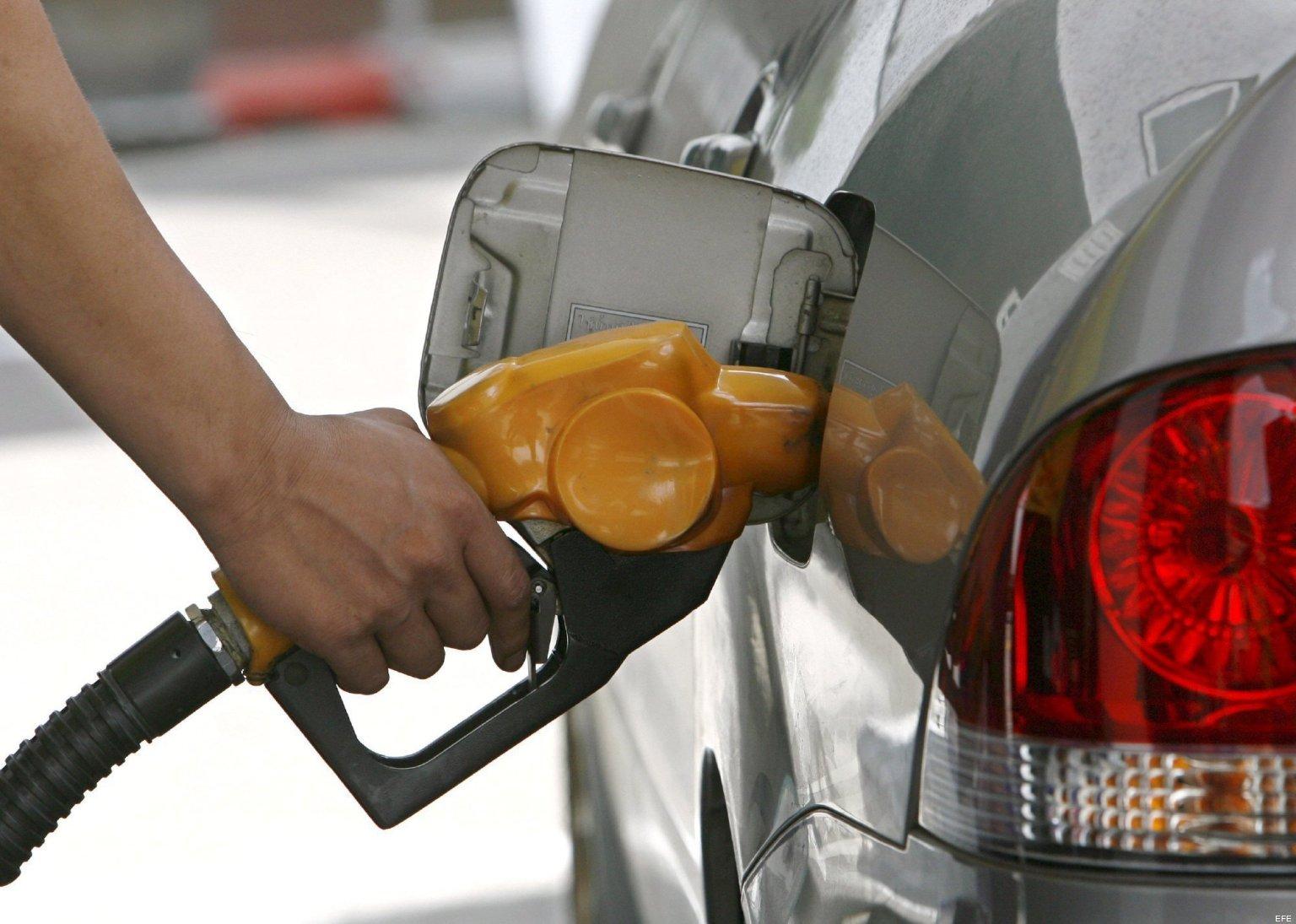 Precio de combustibles se mantienen sin variación