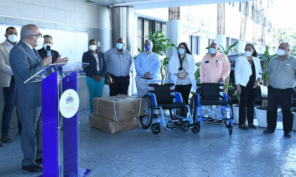 Salud Pública entrega medicamentos y equipos médicos en la Región Norte
