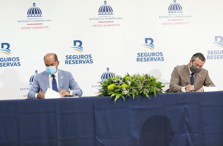 Ministerio de Medio Ambiente y Seguros Reservas firman acuerdo de colaboración para la inclusión de los seguros destinados a protección de medio ambiente