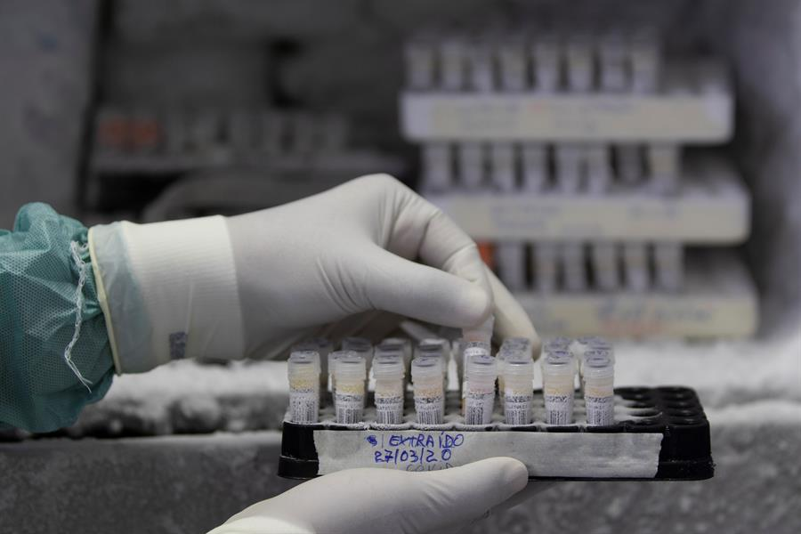 Salud Pública reporta 16 muertes por Covid-19 y 834 nuevos contagios