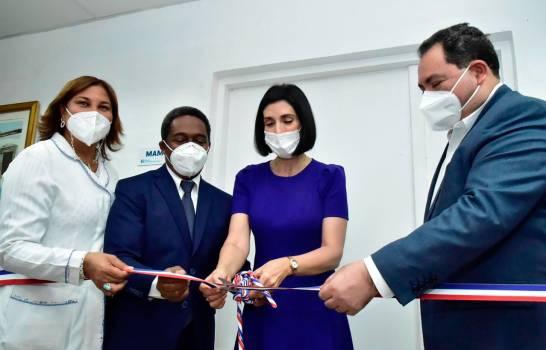 Primera dama inaugura Sala de Mamografía en Hospital Doctora Evangelina Rodríguez