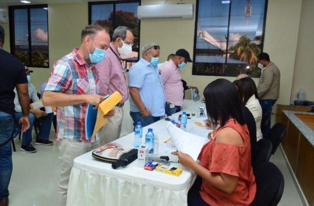 MOPC recibe documentos para sorteo de obras a construir en 6 provincias