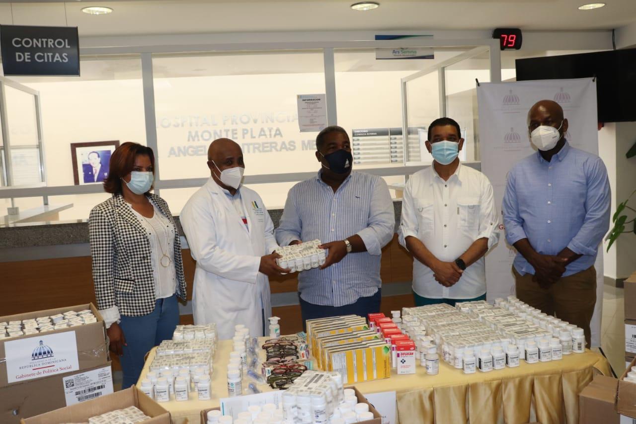 Gabinete de Políticas Sociales dona medicinas y aparatos clínicos al hospital de Monte Plata