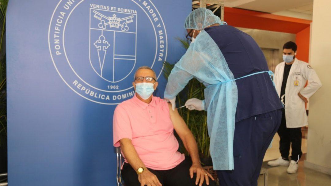Población participa activamente en proceso de vacunación contra el covid-19