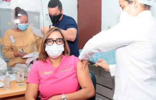 Inician proceso de vacunación en la UASD