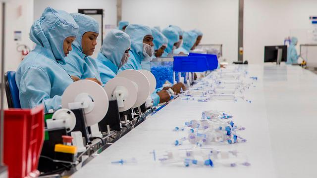 Resaltan potencial de RD para fabricar equipos médicos