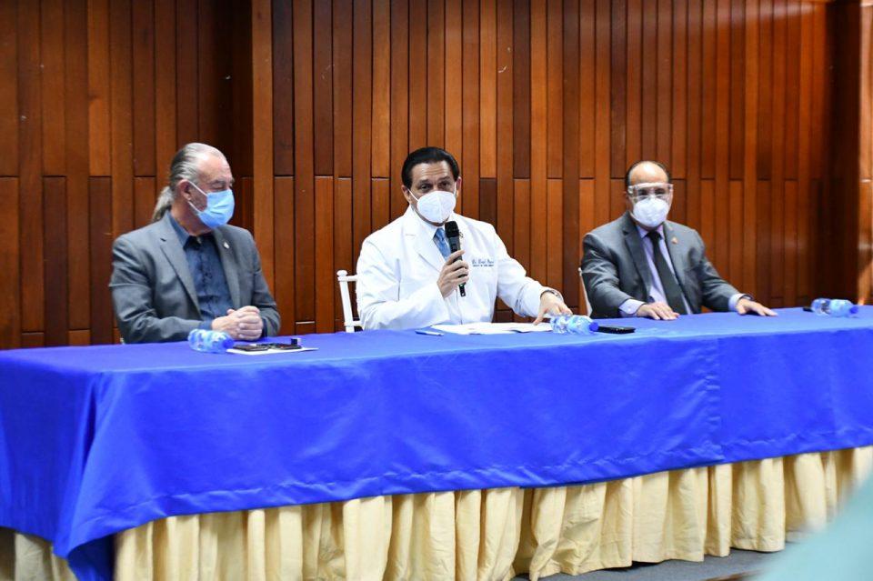 Salud Pública exhorta a mayores de 68 años vacunarse contra covid-19 este jueves y viernes