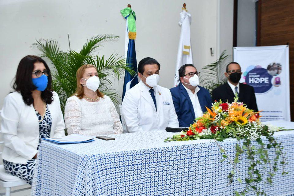 Lanzan programa para reducir mortalidad materna infantil en La Vega