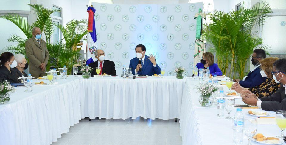 Ministro de Salud encabeza primera reunión del Consejo Nacional de la Persona Envejeciente