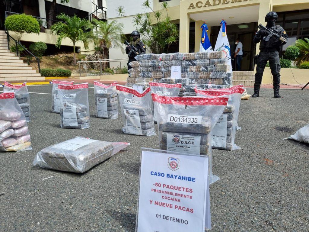 Droga confiscada por la DNCD