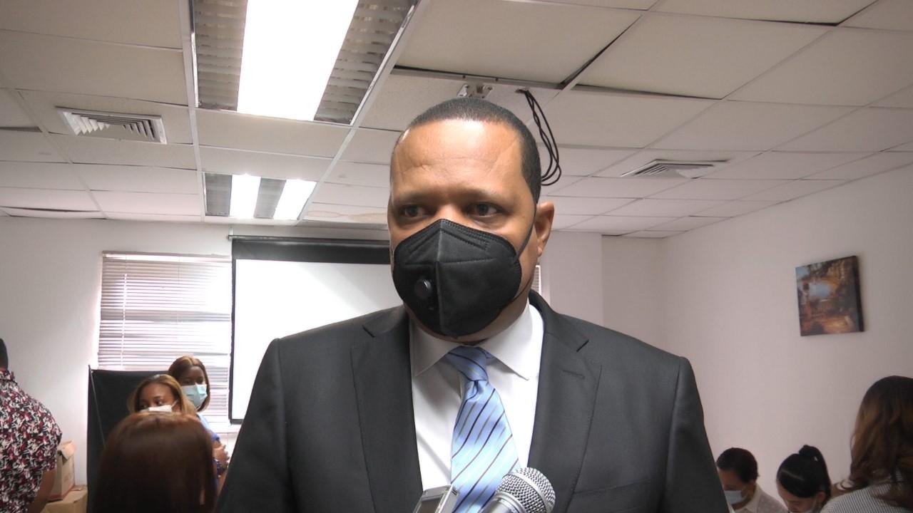 Director Pro Consumidor exhorta a la población a seguir vacunándose contra el covid-19