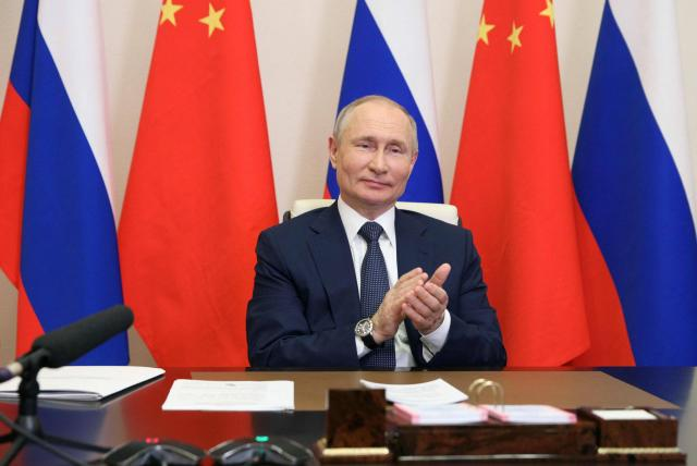 Tras meses de mantenerlo en secreto, Vladimir Putin revela que se vacunó contra el Covid-19 con Sputnik V