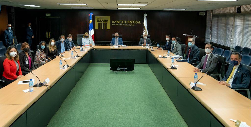 Banco Central y ACOPROVI examinan situación del sector construcción