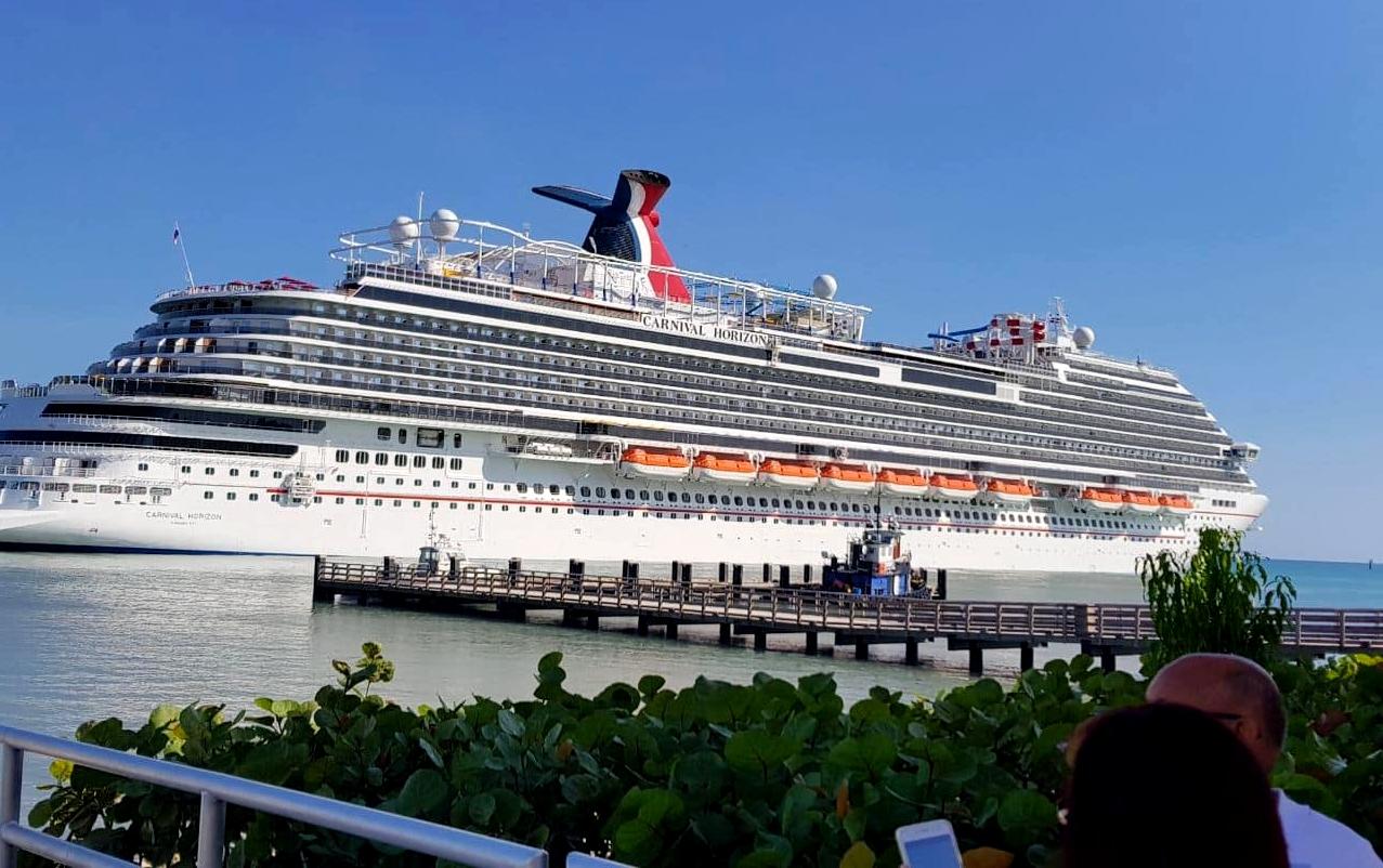 Turismo de crucero en Puerto Plata se reactiva con llegada del barco Carnival Horizon