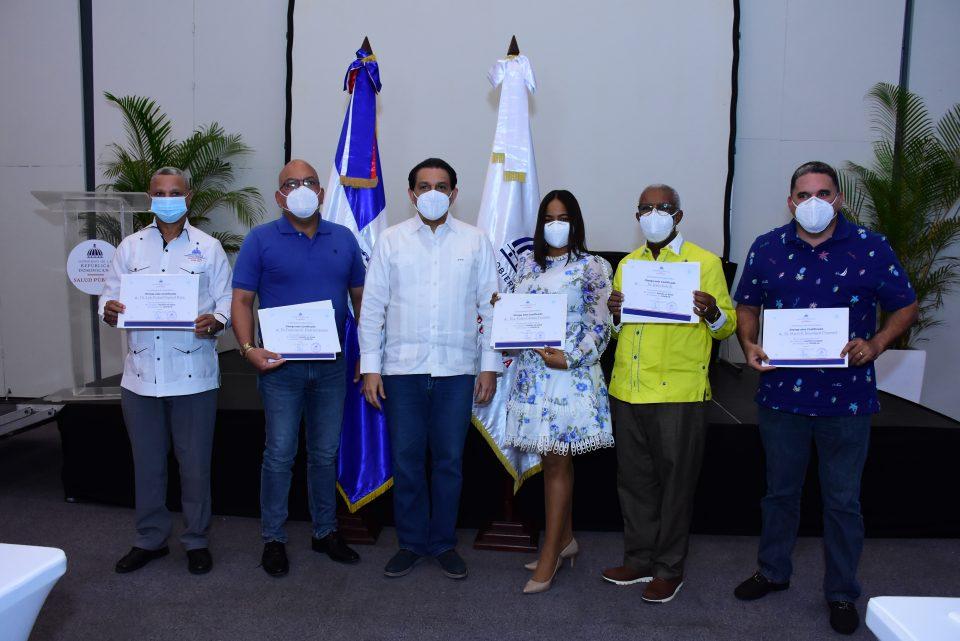 """Ministerio de Salud clausura 1er Simposio """"Gestión de Salud en Tiempos de COVID-19"""""""
