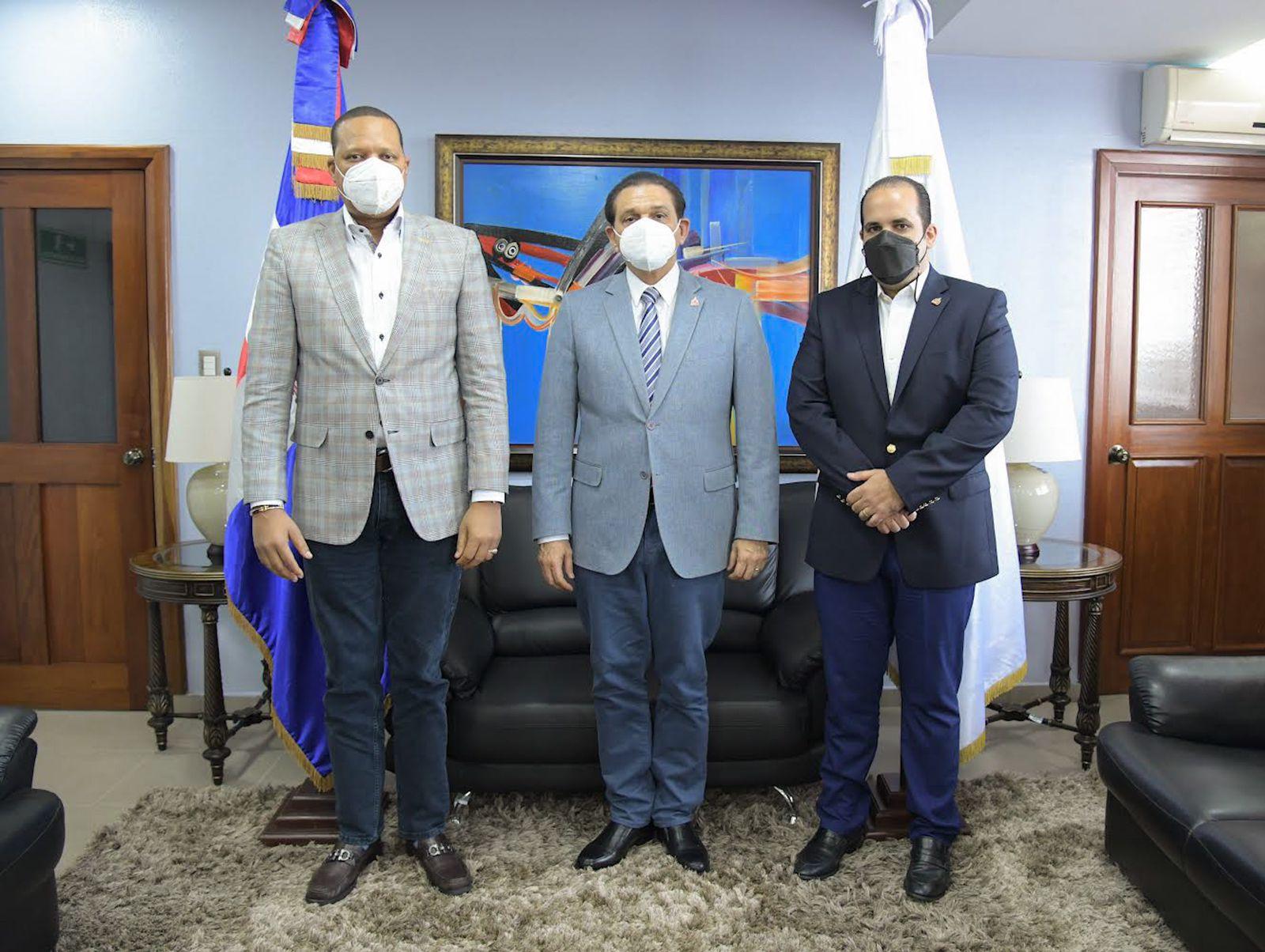 """Salud Pública y Pro Consumidor buscan prohibir venta de químicos usados para fabricar """"ácido del diablo"""""""