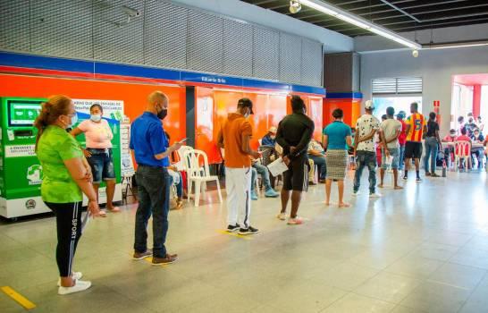 En estaciones del Metro y Teleférico inician jornadas de vacunación
